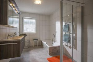 Badezimmer - Bathroom